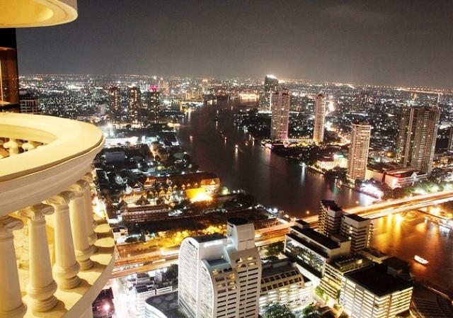【航空券+ホテル】タワークラブ アット ルブア4日間-スイート仕様の贅沢なホテル。天空のシロッコでも有名-