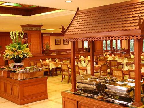 タイ&インターナショナル料理が楽しめる「Faikum Restaurant」