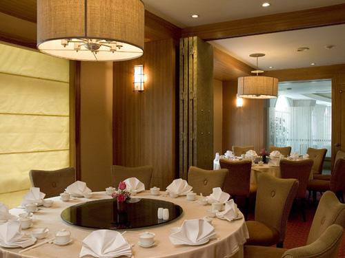 チャイニーズレストラン「ゴールドリーフチャイニーズレストラン」