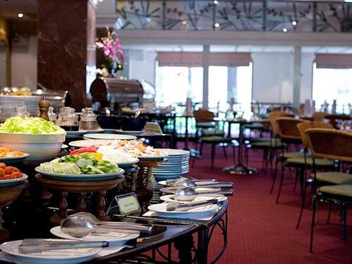 タイ&インターナショナル料理が楽しめる「メーピンコーヒー&レストラン」