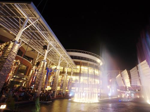 大型ショッピングセンター「ジャンクセイロン」まですぐ