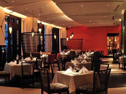 インターナショナル料理レストラン「ビストロ」