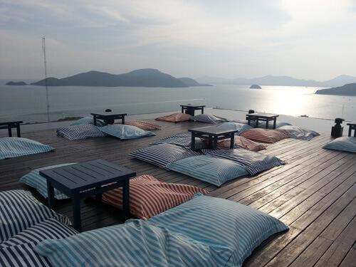 【関空/午前発】うれしいホテル特典付!パンワ岬に建つ豪華リゾート!憧れスリパンワのプールヴィラ5日間