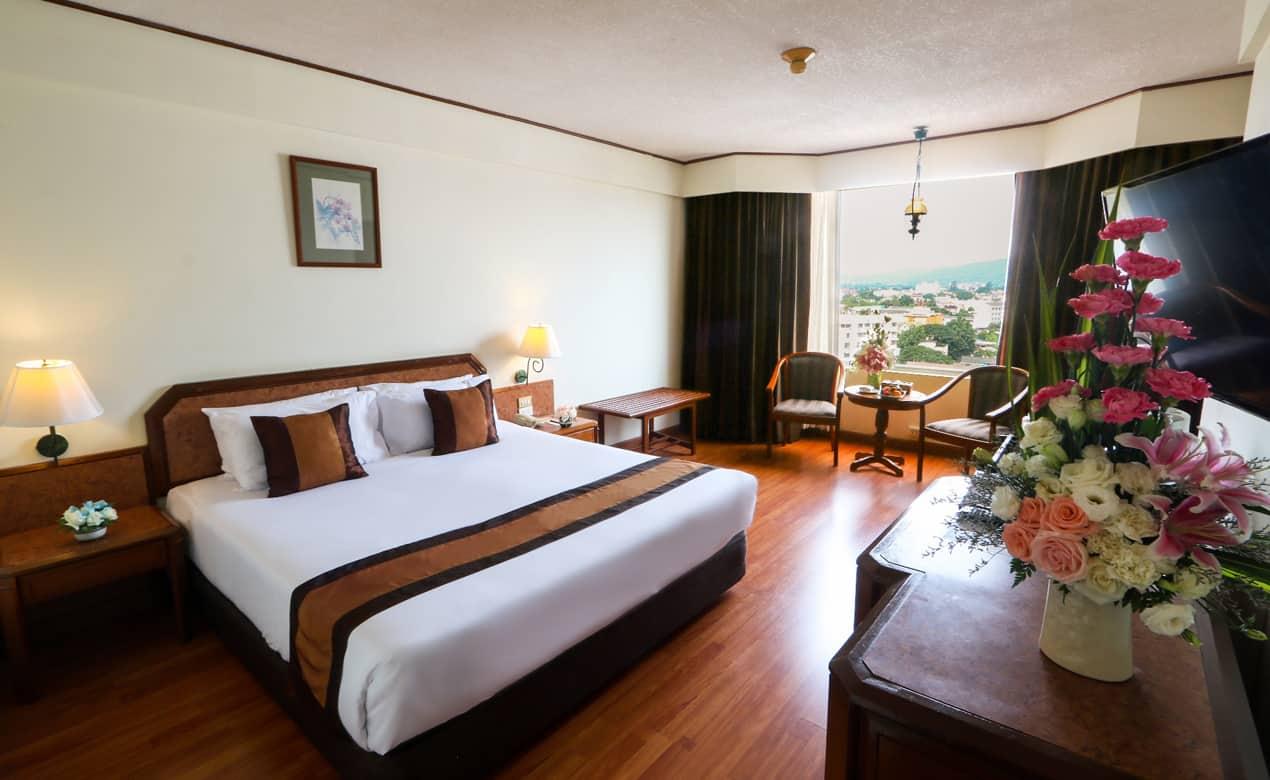 ドゥワンタワンチェンマイ3泊5日。チェンマイ市内の繁華街に位置し、ナイトバザールの中心部にあり便利な立地