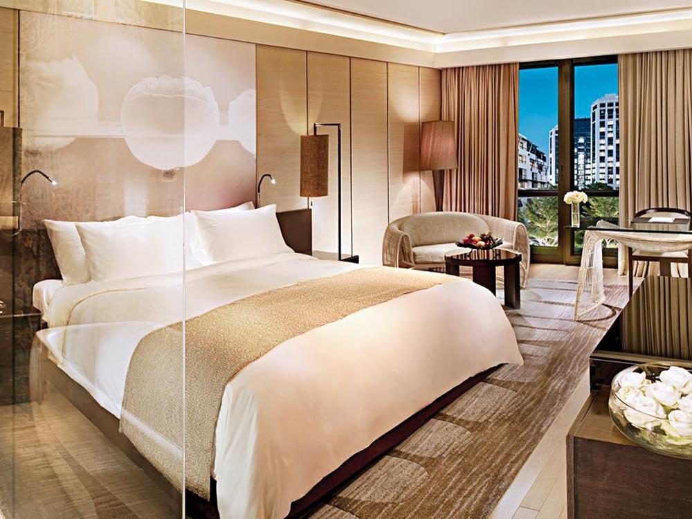 【安心の往復送迎付き】プールが充実!都会のリゾートホテル サイアムケンピンスキー(デラックスルーム)滞在 バンコク5日間