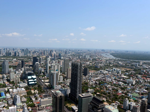 ビルが建ち並ぶ大都市バンコク/イメージ