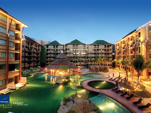 【A&A35周年感謝セール】パトンのプールが大きな人気ホテル!ノボテルヴィンテージパーク(スーペリアルーム)5日間