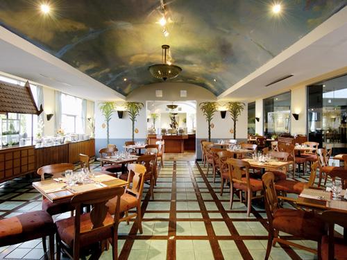 ロイヤルパラダイス/パラダイスウィング2階にある「ココナッツコーヒーショップ」