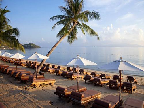 ホテル前ビーチ