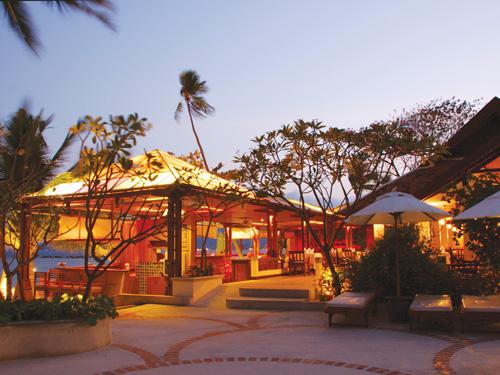 チョムタレイレストラン(インターナショナル&タイ料理)/チャウエンリージェント