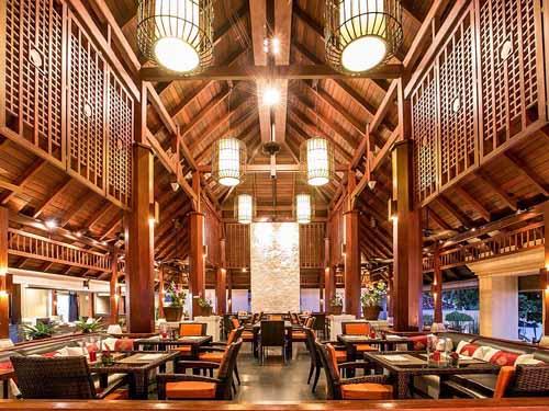 イタリア&タイ料理レストラン「The Patio Restaurant」