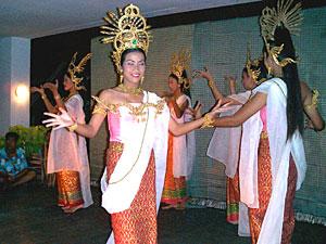 タイ古典舞踊ディナーショー(日本語ガイド)